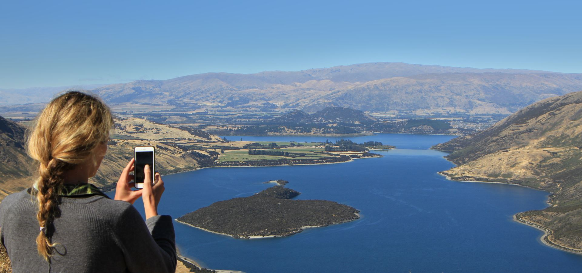 lake-wanaka-up-high
